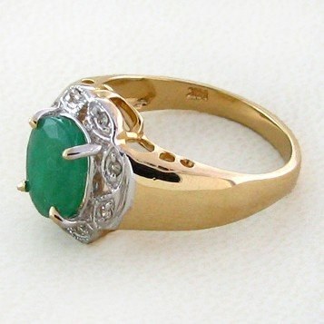 APP: 3.3k 14 kt. Gold, 1.55CT Emerald & Diamond Ring