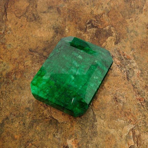 APP: 192.7k 963.65CT Emerald Gemstone