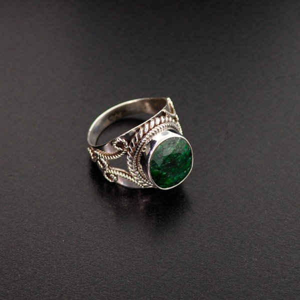 APP: 1.1k 6.20CT Green Sapphire & Sterling Silver Ring
