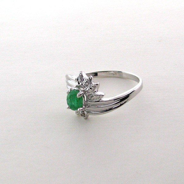 APP: 1.5k 0.38CT Emerald & Sterling Silver Ring