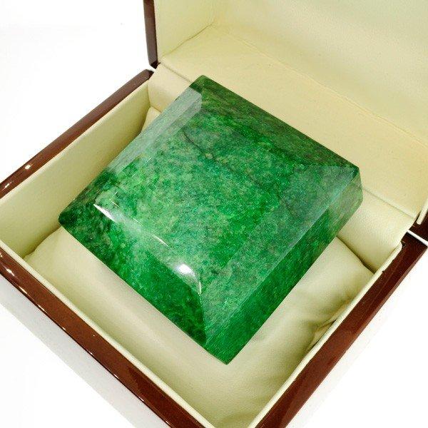 APP: 248.6k 2,367.40CT Green Emerald Gemstone