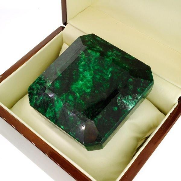 APP: 129.4k 1,931.65CT Green Emerald Gemstone