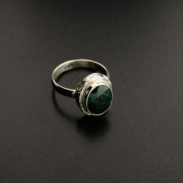 APP: 1k 4.41CT Green Sapphire & Sterling Silver Ring