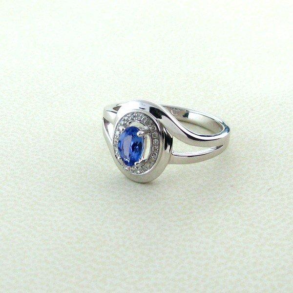 APP: 1k 0.50CT Tanzanite w/Diamond & 18kt. Silver Ring