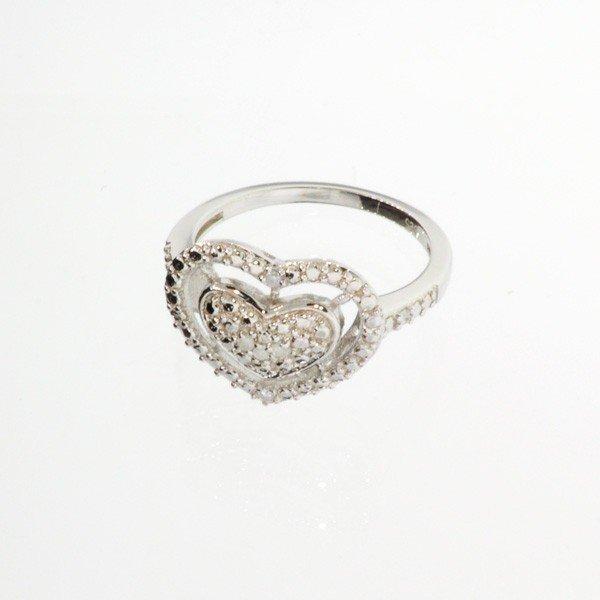 APP: 0.6k 18kt White Gold & Silver, Diamond Ring