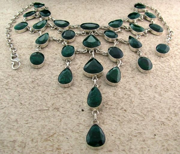 APP: 38k 307CTGreen Sapphire & Sterling Silver Necklace