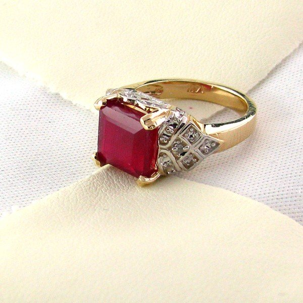 APP: 7.6k 14 kt. Gold, 4.54CT Ruby Ring