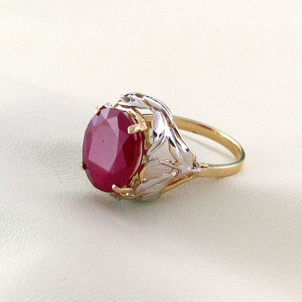 APP: 9.2k 14 kt. Gold, 6.11CT Ruby Ring