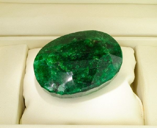 APP: 72.9k 1,087.50CT Oval Cut Emerald Gemstone
