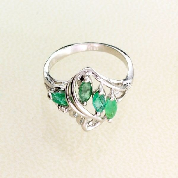 APP: 1k 0.64CT Emerald & Sterling Silver Ring