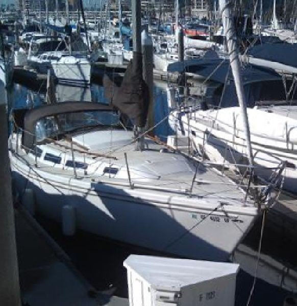 1980 Catalina 30 Sailboat Cruiser/Racer - PICK UP ONLY