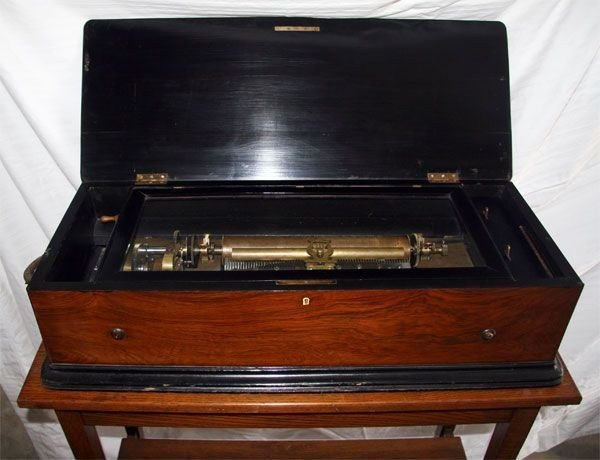 Music Box-Mint-Original-Plays Perfect
