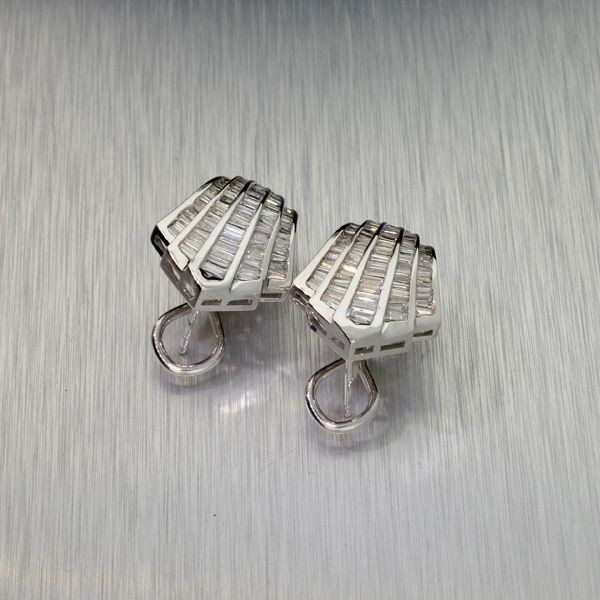 APP: 8.5k 14 kt. White Gold, 1.70CT Diamond Earrings
