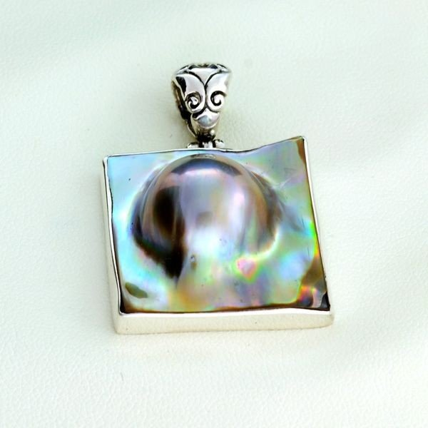 APP: 1.1k 18.33 MM Mabe Pearl & Sterling Silver Pendant