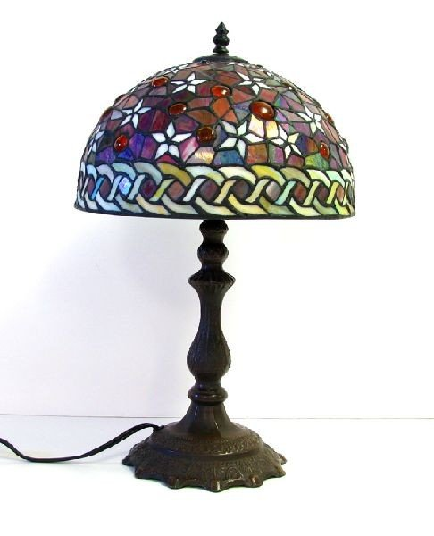 Round Tiffany - Style Table Lamp w/12in Shade