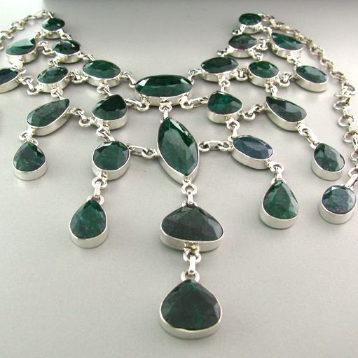 APP: 17k 229CTGreen Sapphire & Sterling Silver Necklace