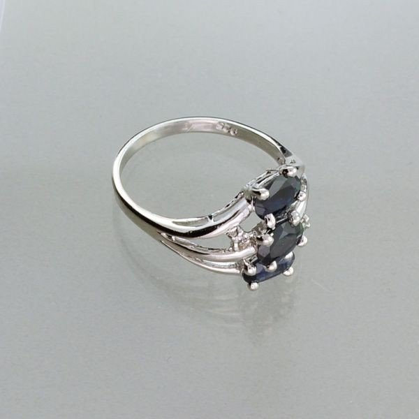 APP: 1.2k 1.02CT Blue Sapphire & Sterling Silver Ring