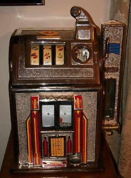 Rare Pace Slot Machine with Side Vendor