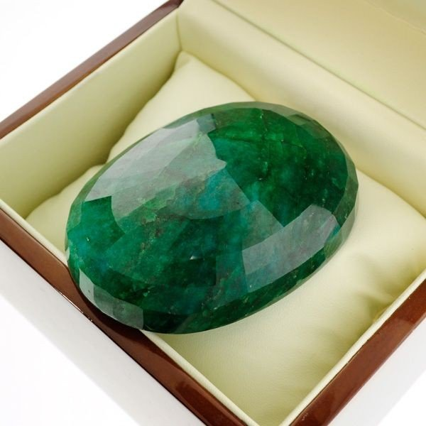 APP: 106.1k 1,010.30CT Emerald Gemstone - 2
