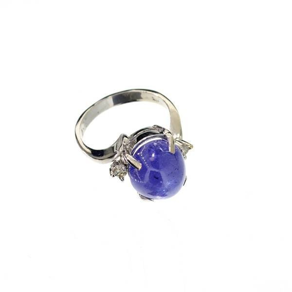 APP: 12k 14kt White Gold, 7CT Cabochon Tanzanite Ring