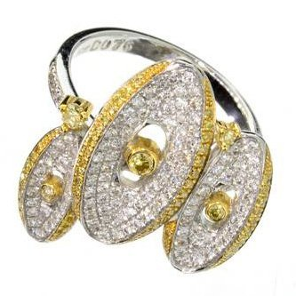 APP: 6k 18kt White/Yellow Gold, Round Cut Diamond Ring