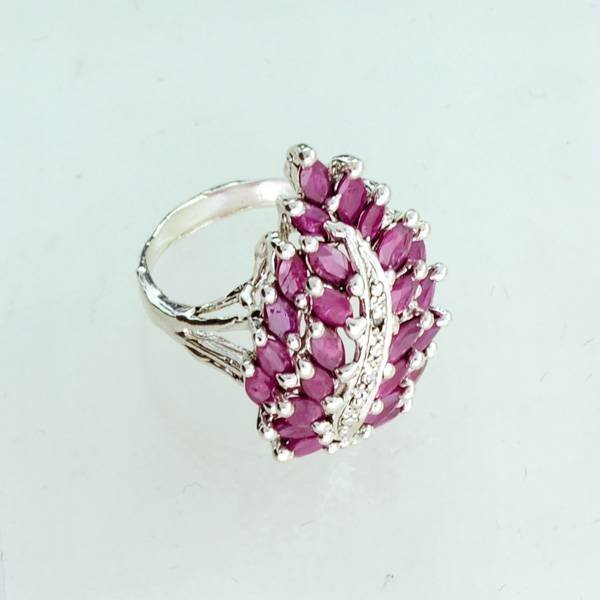 APP: 1.7k 2.16CT Ruby & Sterling Silver Ring