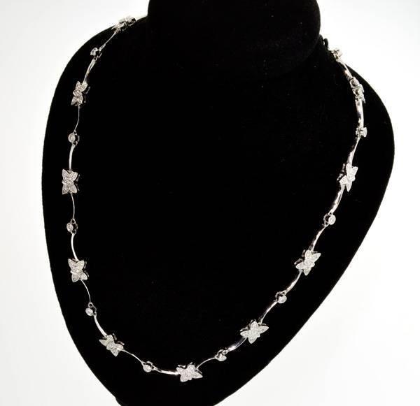 APP: 12.7k 18 kt. White Gold, 1.25CT Diamond Necklace