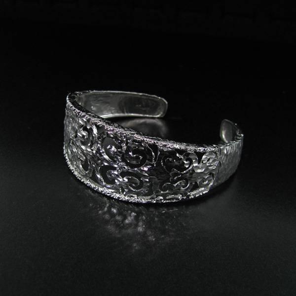 APP: 2.1k Platinum Overlaid Sterling Silver Bangle
