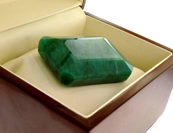 APP: 24.5k 453.45CT Emerald Gemstone