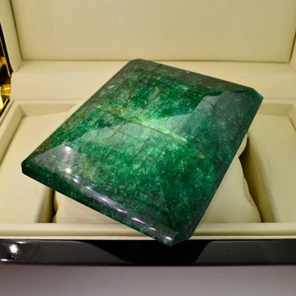 APP: 331.4k 2209.25CT Emerald Cut Emerald Gemstone