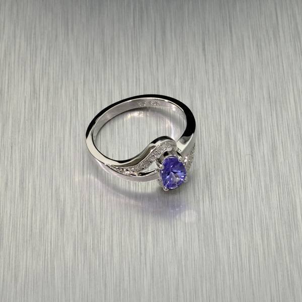 APP: 1k Tanzanite & Diamond Plat Sterl Silver Ring