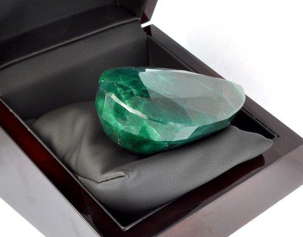 APP: 47.9k 886.90CT Emerald Gemstone