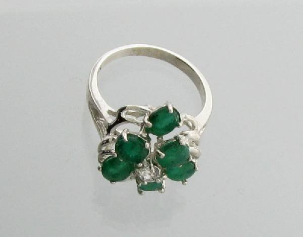 APP: 2.7k 2.36CT Oval Cut Emerald Sterling Silver Ring
