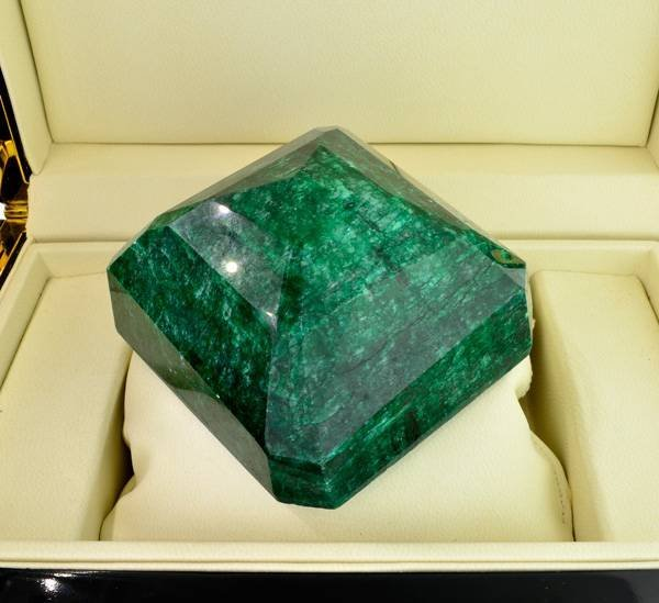 APP: 182k 2,716.00CT Emerald Gemstone - 2