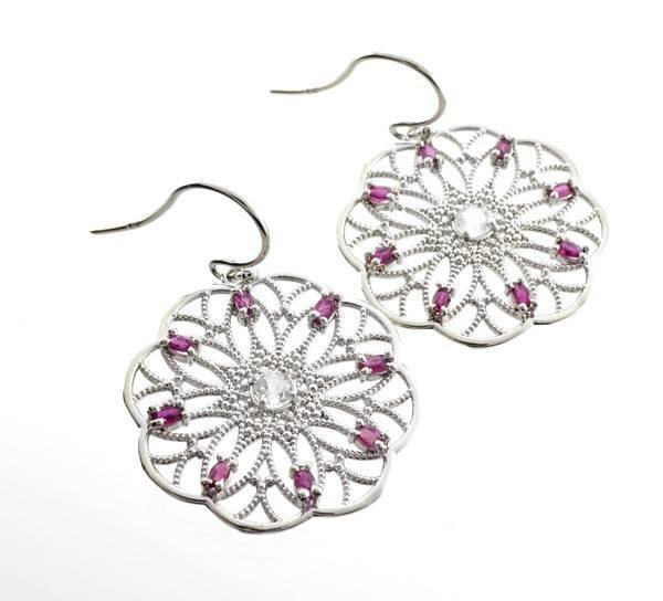 APP: 2k 2CT  Round Cut Topaz Ruby & Silver Earrings