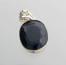 APP: 2k 21CT  Oval Cut Sapphire & Sterl Silver Pendant