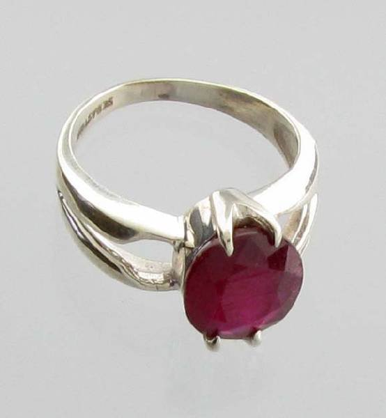APP: 4k Sebastian 4CT  Oval Cut Ruby & Silver Ring