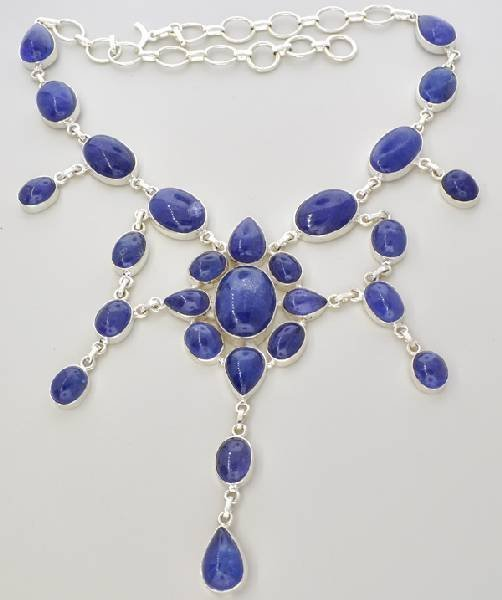 APP: 164k 284CT  Mixed Cut Tanzanite & Silver Necklace
