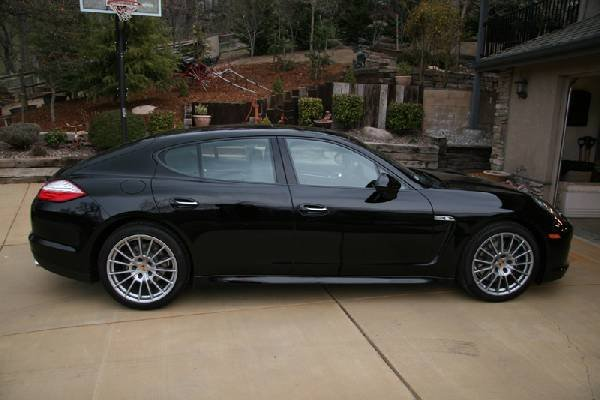 2012 Porsche Panamera - Full Loaded -PICK UP ONLY