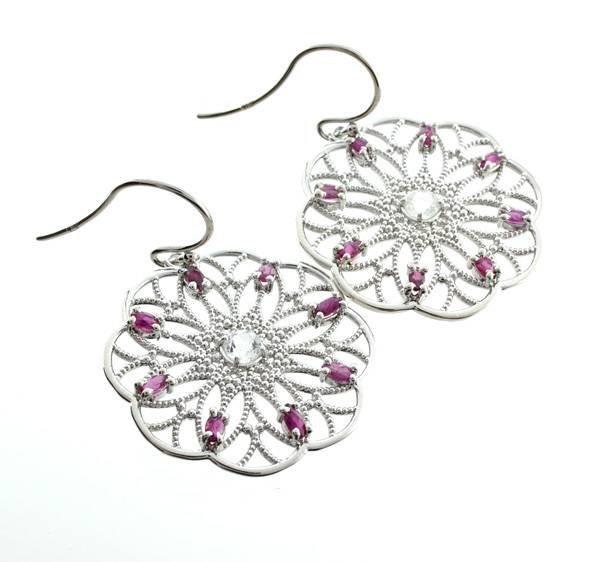 APP: 1k 1CT  Round Cut Topaz Ruby & Silver Earrings