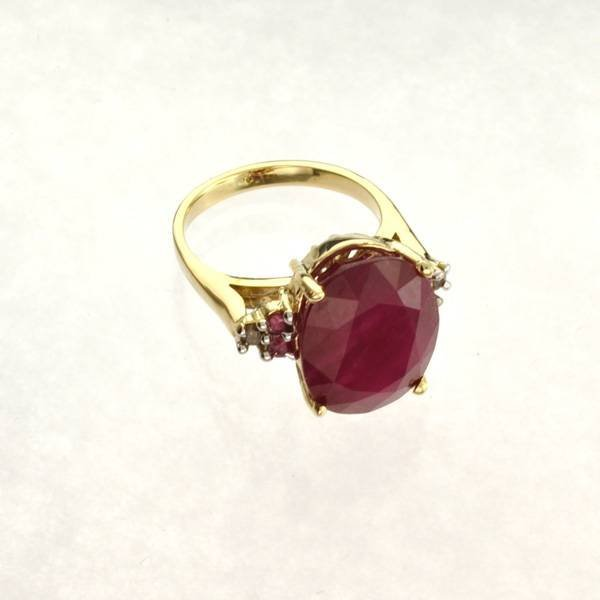 APP: 22k 14kt Yellow & White Gold, Ruby & Diamond Ring