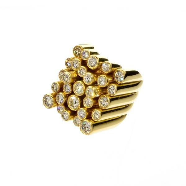 APP: 27.2k 18 kt. Gold, 2.80CT Diamond Ring