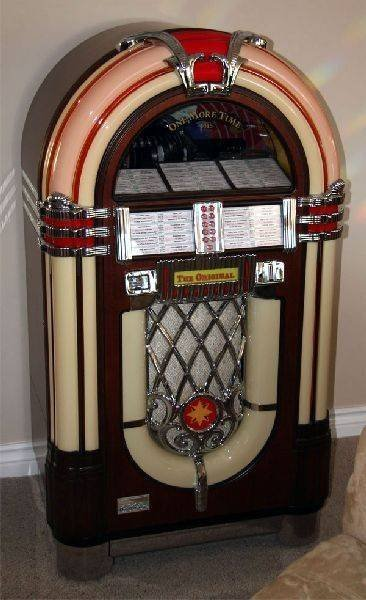 Wurlitzer 1015 Juke Box, One More Time - Mint Condition