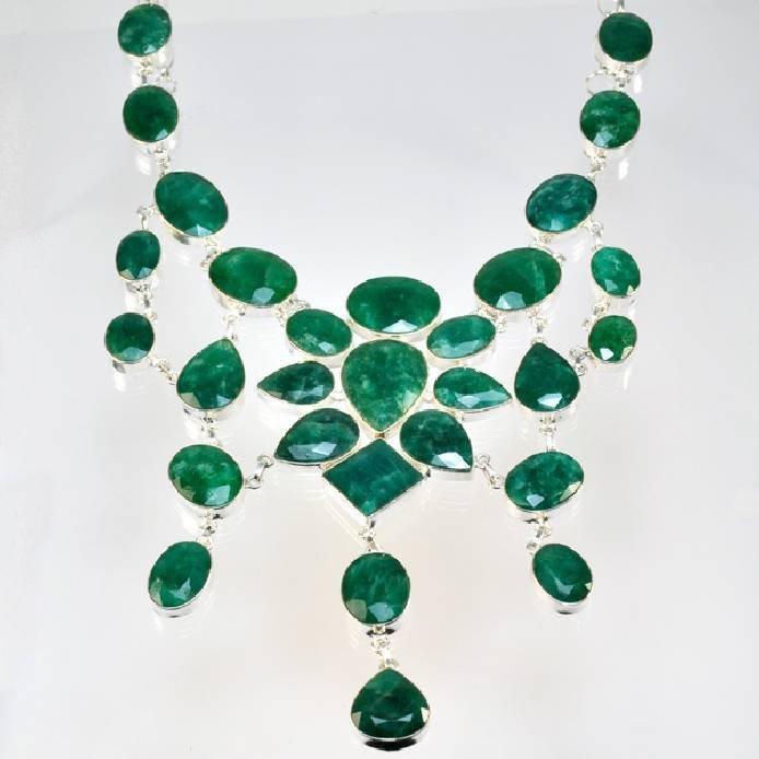 APP: 12k 281CT  Mixed Cut Grn Beryl & Silver Necklace