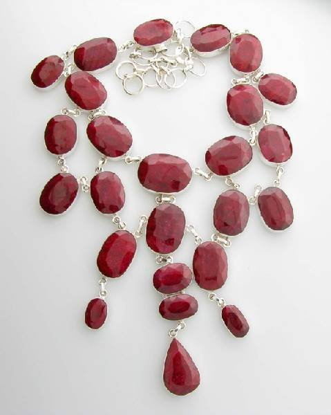 APP: 26k 366CT  Oval Cut Ruby & Sterl Silver Necklace
