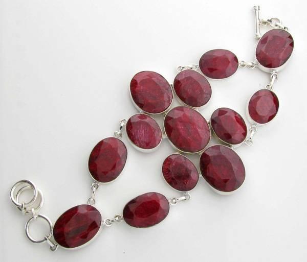 APP: 18k 80CT  Oval Cut Ruby & Sterl Silver Bracelet