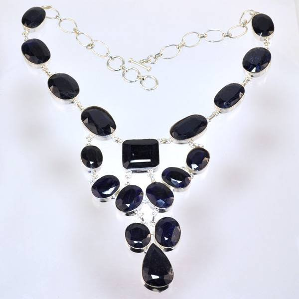 APP: 21k 318CT  Oval Cut Sapphire & Silver Necklace