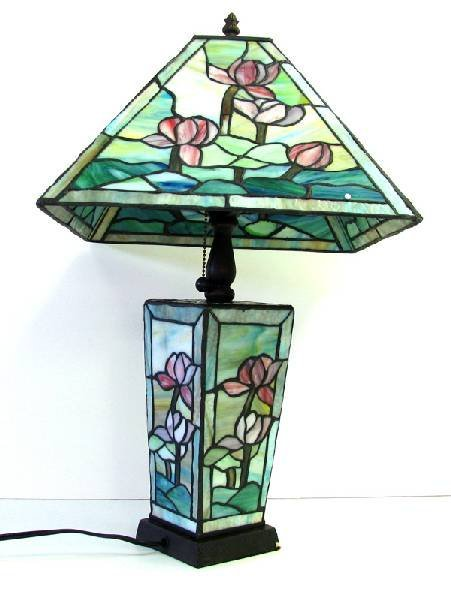 Tiffany -Style Square  Pond Lily Lamp