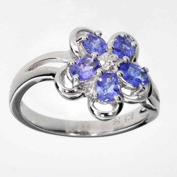 APP: 1k 0CT  Oval Cut Tanzanite & Sterl Silver Ring