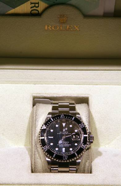 Rolex Submarine Stainless - Original Box and Papers - 2